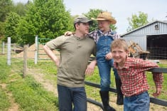 istock_farm_insurance_family_1